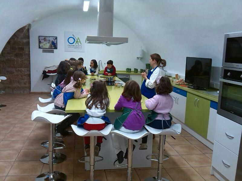 Asistentes al taller de cocina para niños